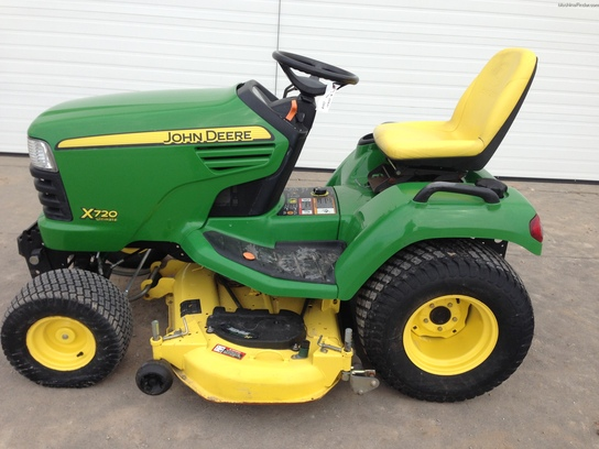 2009 John Deere X720 Lawn & Garden and Commercial Mowing ...