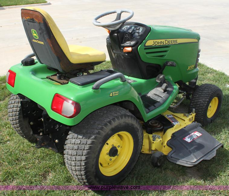 John Deere X724 lawn mower | no-reserve auction on ...