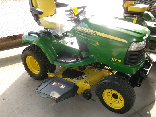 2010 John Deere X728 Lawn & Garden and Commercial Mowing ...