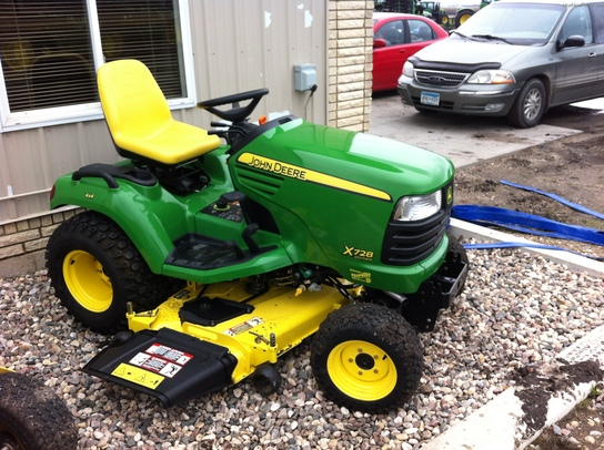 2009 John Deere X728 Lawn & Garden and Commercial Mowing ...