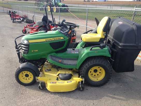 2013 John Deere X738 Lawn & Garden and Commercial Mowing ...