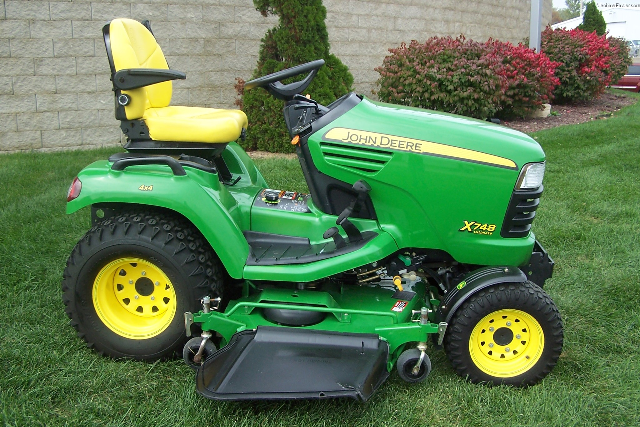 2011 John Deere X748 Lawn & Garden and Commercial Mowing ...