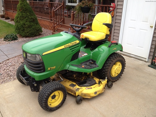 2008 John Deere X749 Lawn & Garden and Commercial Mowing ...