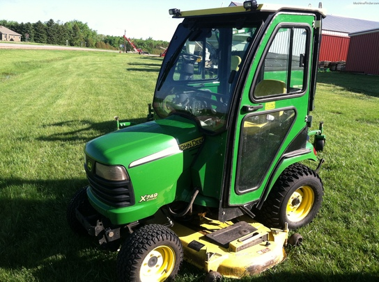 2009 John Deere X749 Lawn & Garden and Commercial Mowing ...
