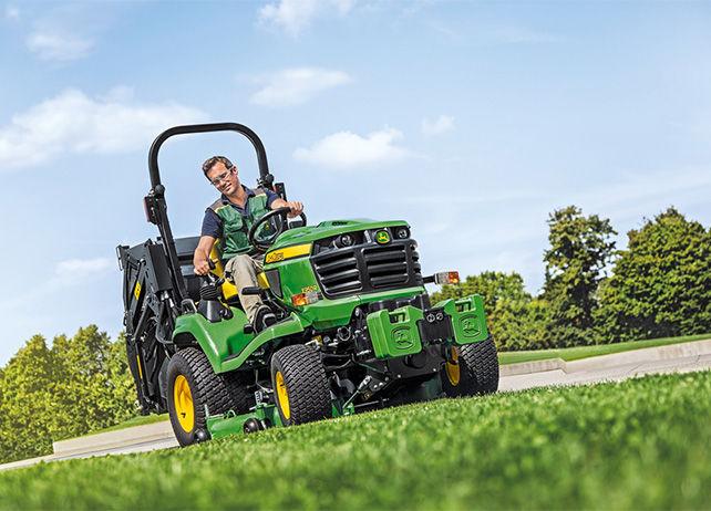 X950R   Diesel Mowing Tractors   Commercial Mowing   John ...