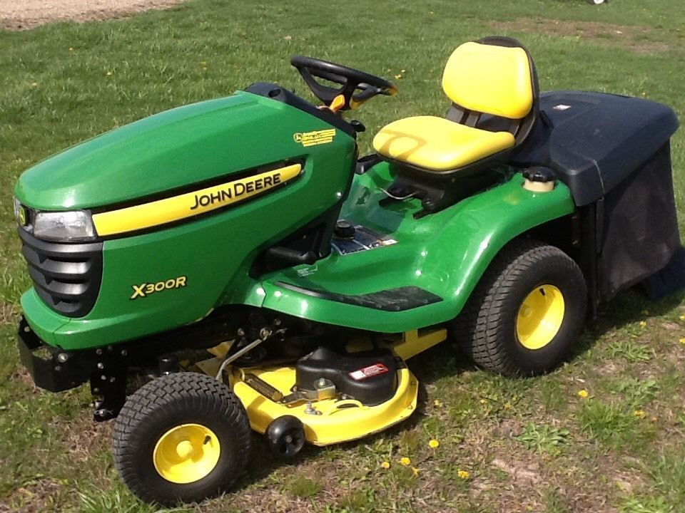 2009 John Deere X300R Riding Lawn Mower With 42