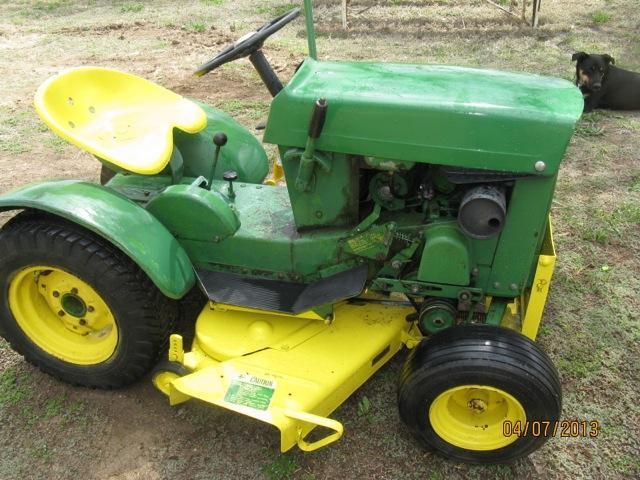 110 John Deere lawn mower - DiscoverStuff
