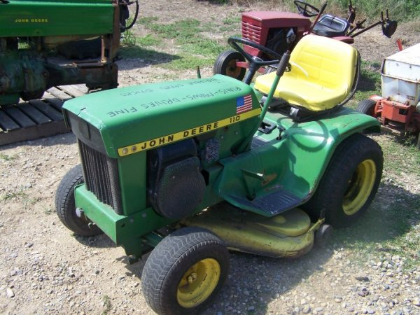 7741: John Deere 110 Lawn and Garden Tractor with Deck ...
