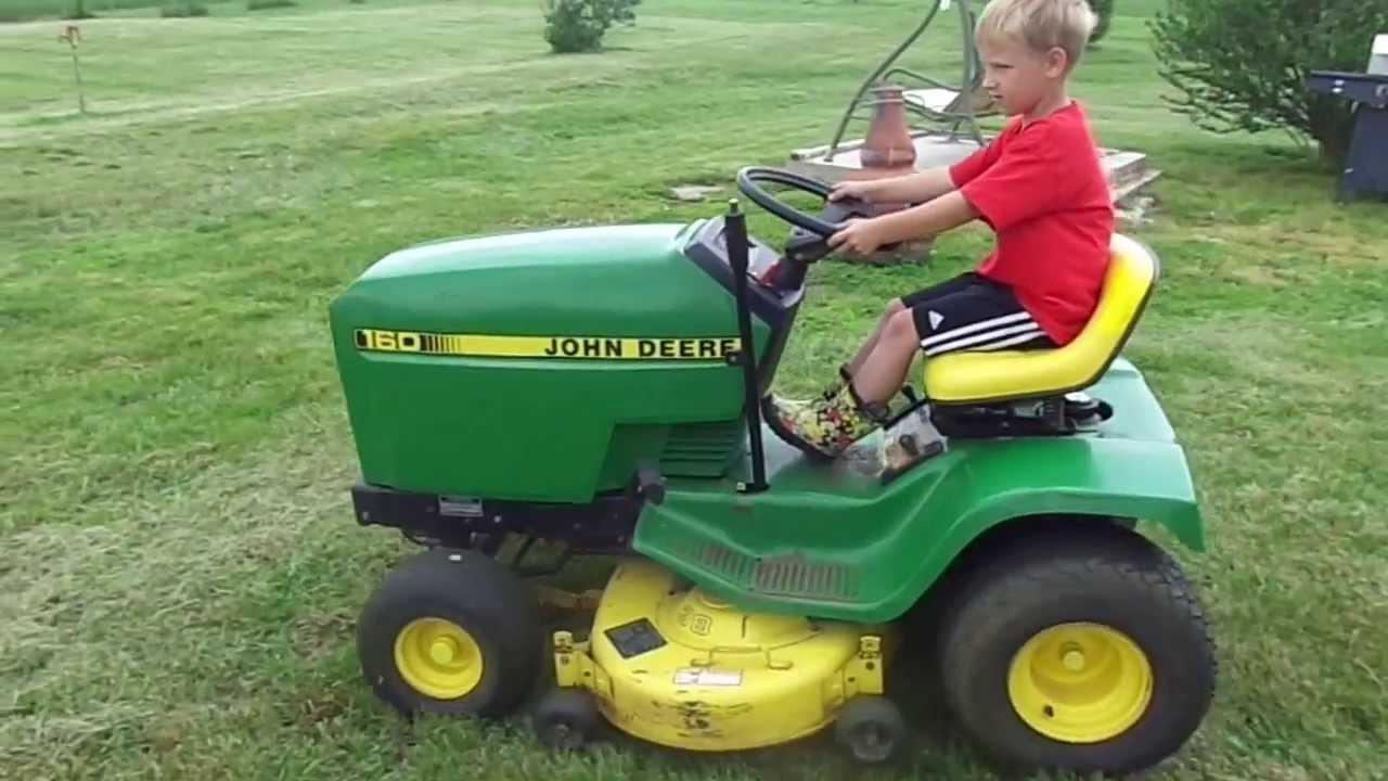 John Deere 160 Lawn Tractor - YouTube
