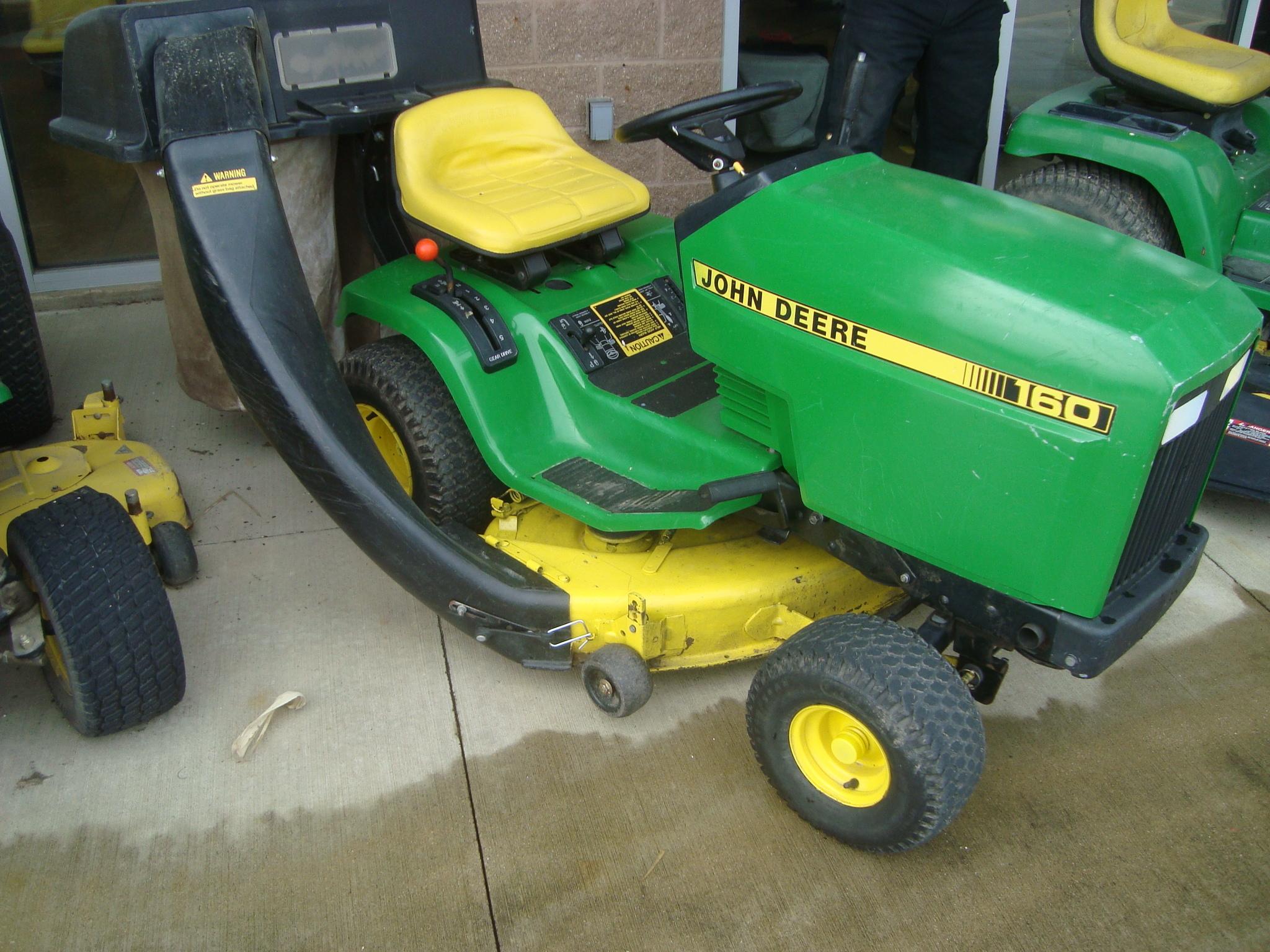 John Deere 160 Lawn & Garden Tractors for Sale   [40448]