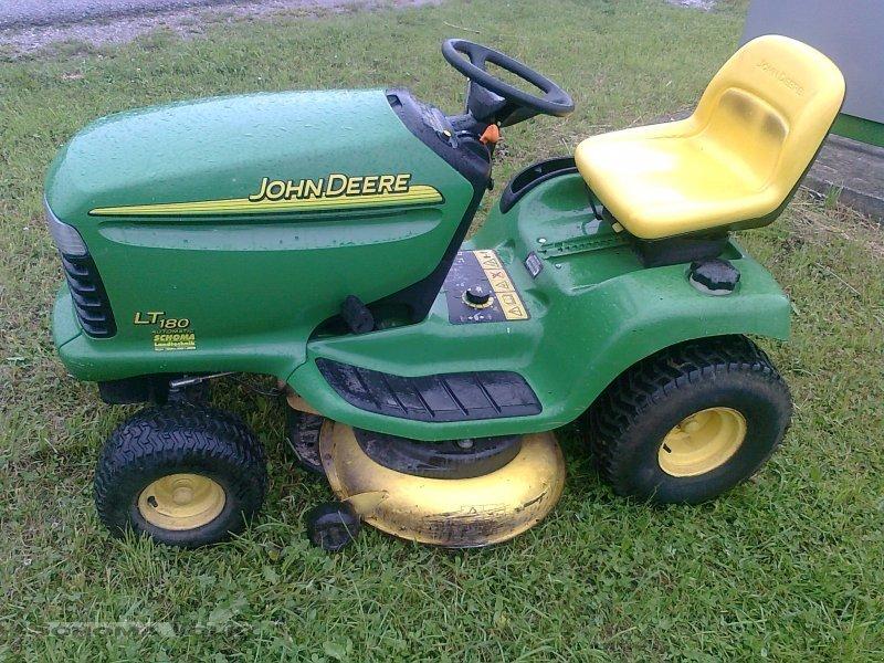 John Deere LT 180 Lawn tractor - technikboerse.com