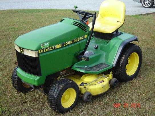 1998 John Deere GT242 - Lawn & Garden Tractors - John ...