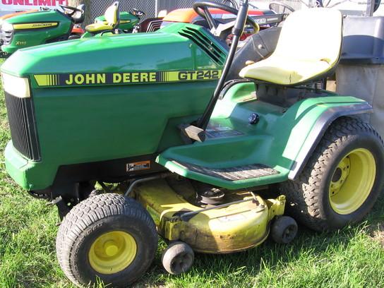 1993 John Deere GT242 Lawn & Garden and Commercial Mowing ...