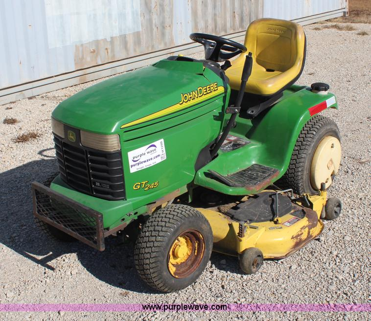 John Deere GT245 lawn mower | no-reserve auction on ...
