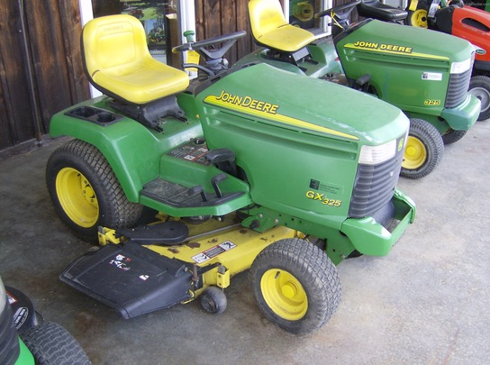 2002 John Deere GX325 Lawn & Garden and Commercial Mowing ...