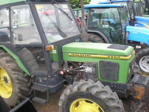 John Deere 2200 [Zetor] | Machinery & Equipment - Tractors For