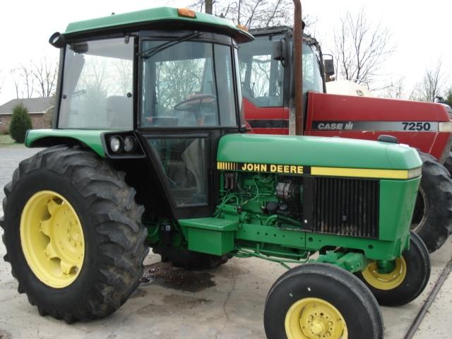 John Deere 2550 salvage tractor at Bootheel Tractor Parts