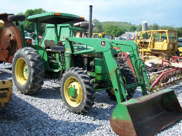 456: John Deere 2150 4x4 Tractor with Loader : Lot 456