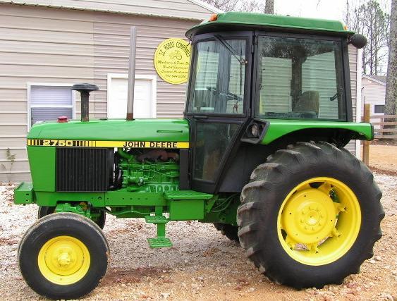 Farm Equipment For Sale: JOHN DEERE 2750 TRACTOR