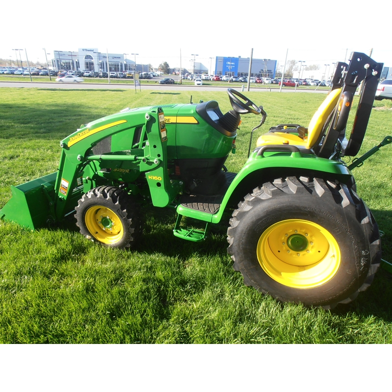 John Deere 3039R Compact Utility Tractor