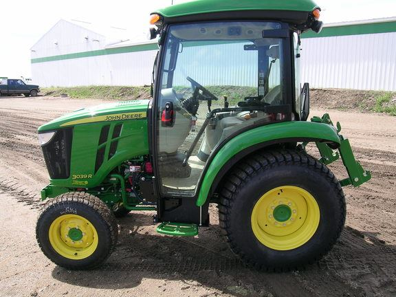 John Deere 3039R, United States, $48,050, 2016- compact ...