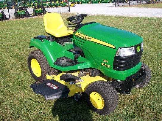 2010 John Deere X700 Lawn & Garden and Commercial Mowing ...