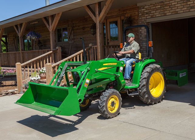 D160 Loader | Loading and Digging Compact Utility Tractor ...