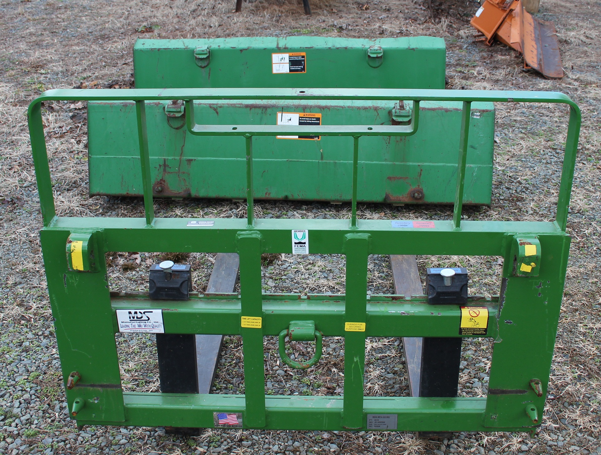 John Deere 4700 w/ 460 Loader WR Long Grapple Woods stump ...