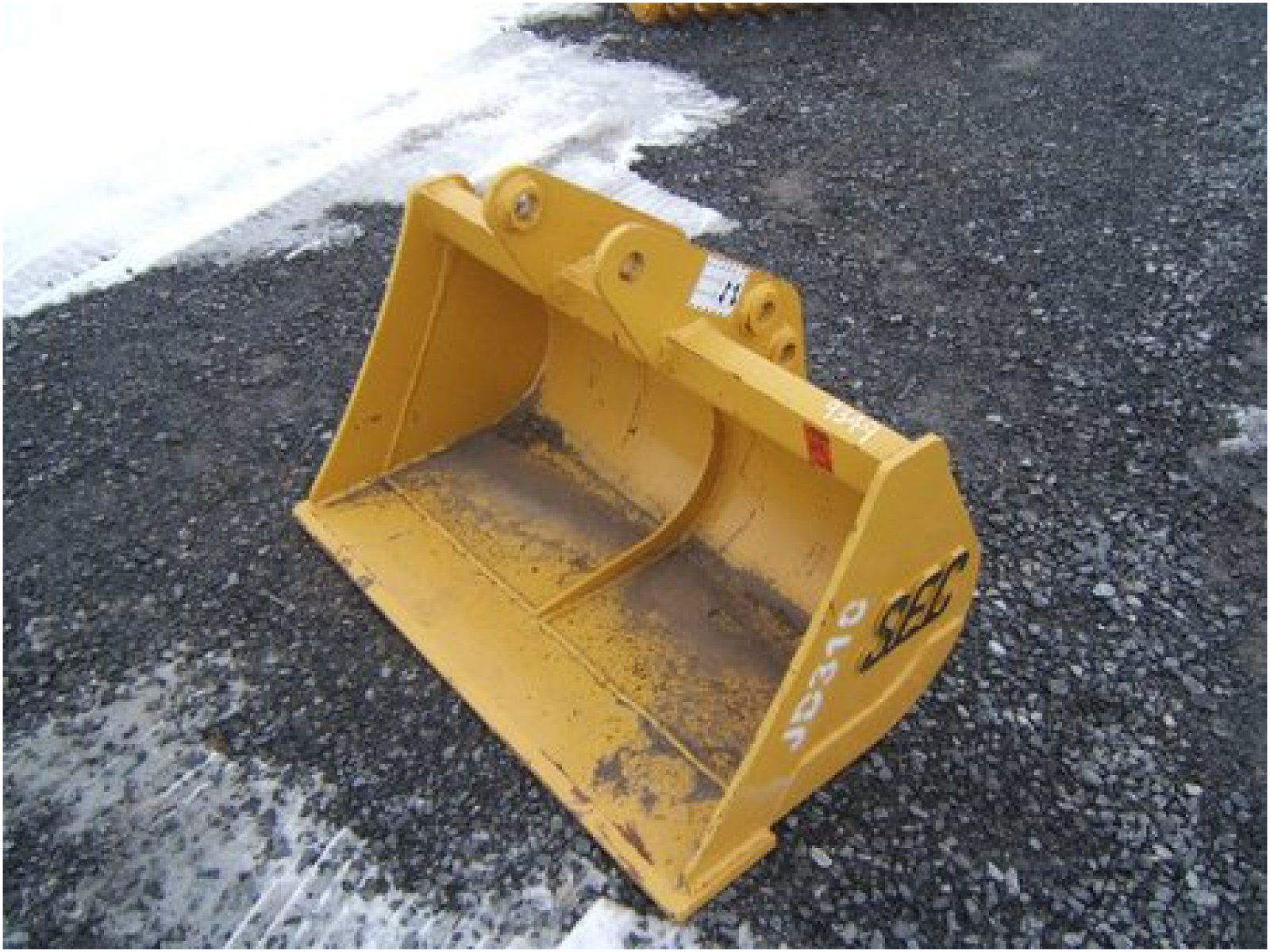 JOHN DEERE 310 Bucket Attachment for sale - Carroll ...