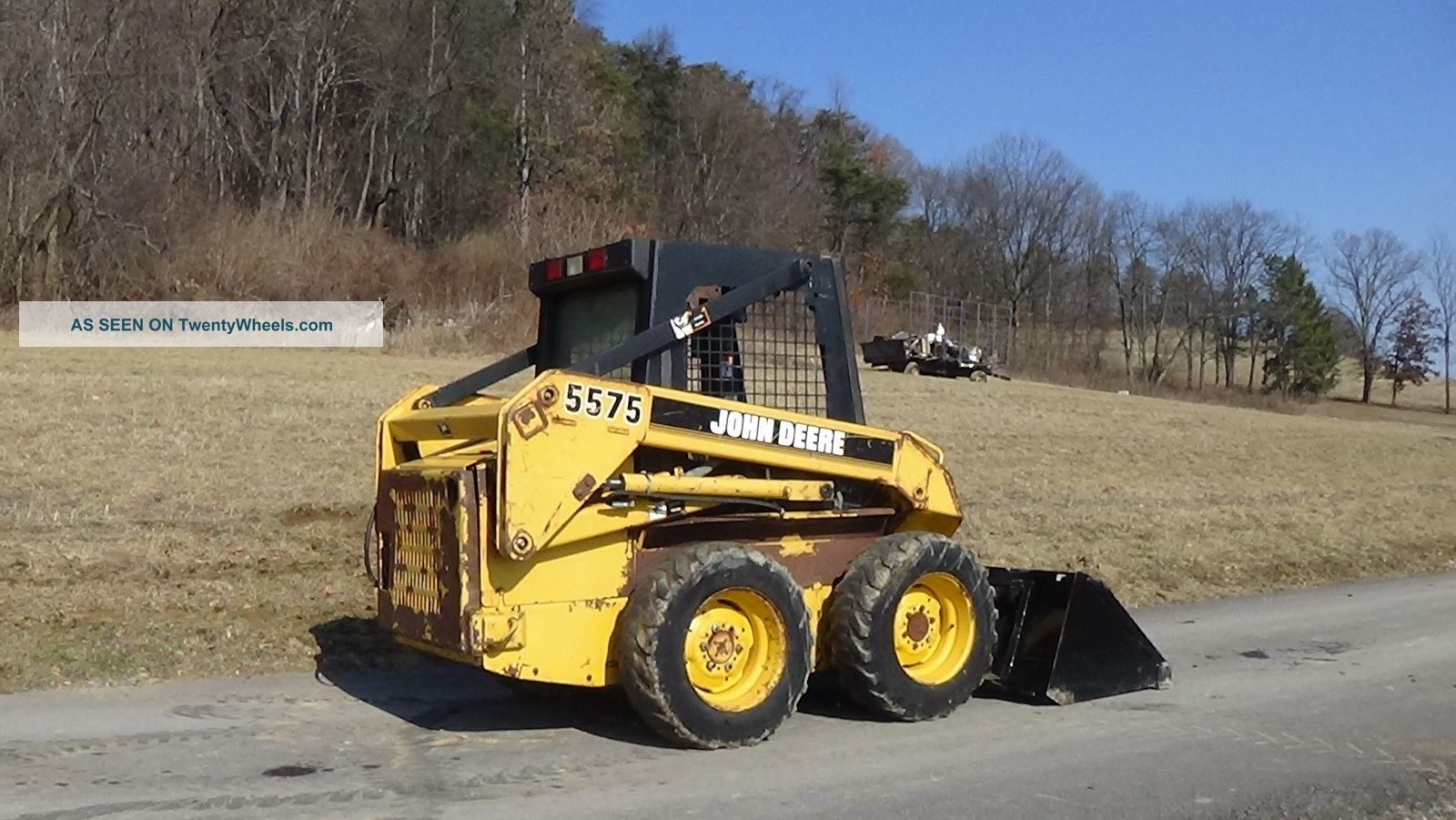 John Deere 5575 Skid Steer With Bucket