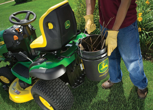 John Deere CargO Mount™ Single Bucket Holder Carry, Haul ...