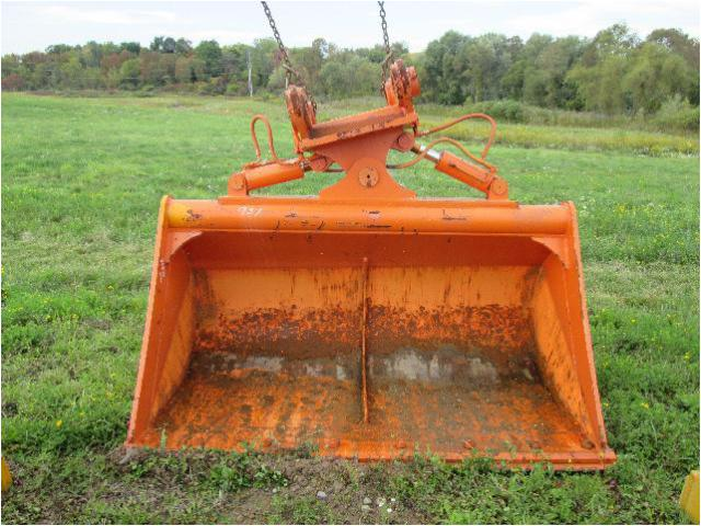 JOHN DEERE 330 Bucket Attachment for sale - Carroll ...