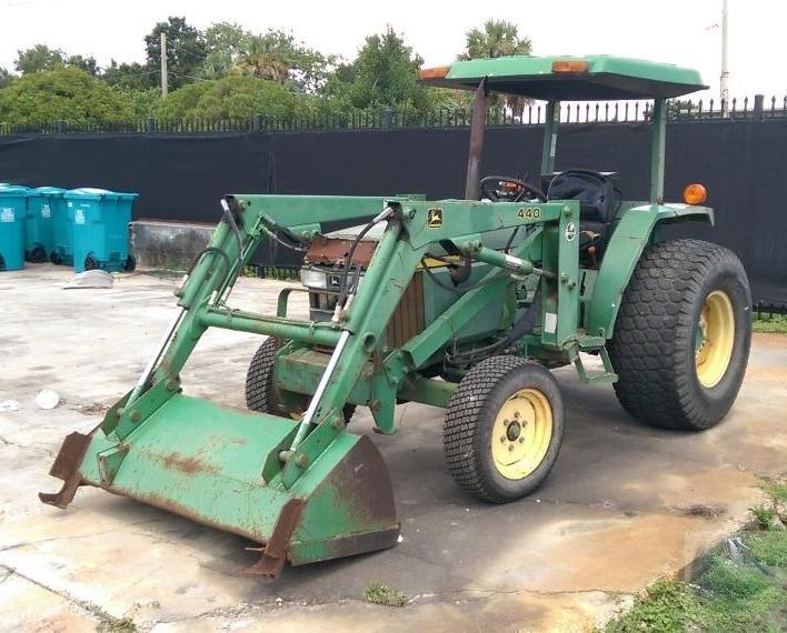 2000 John Deere 440 1070 Utility Tractor with Bucket ...