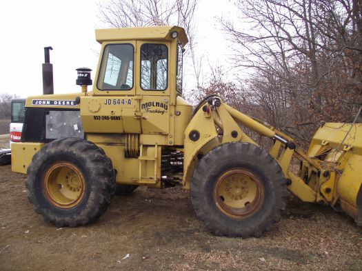 JOHN DEERE 644-B WHEEL LOADER WITH 8FT 6 BUCKET