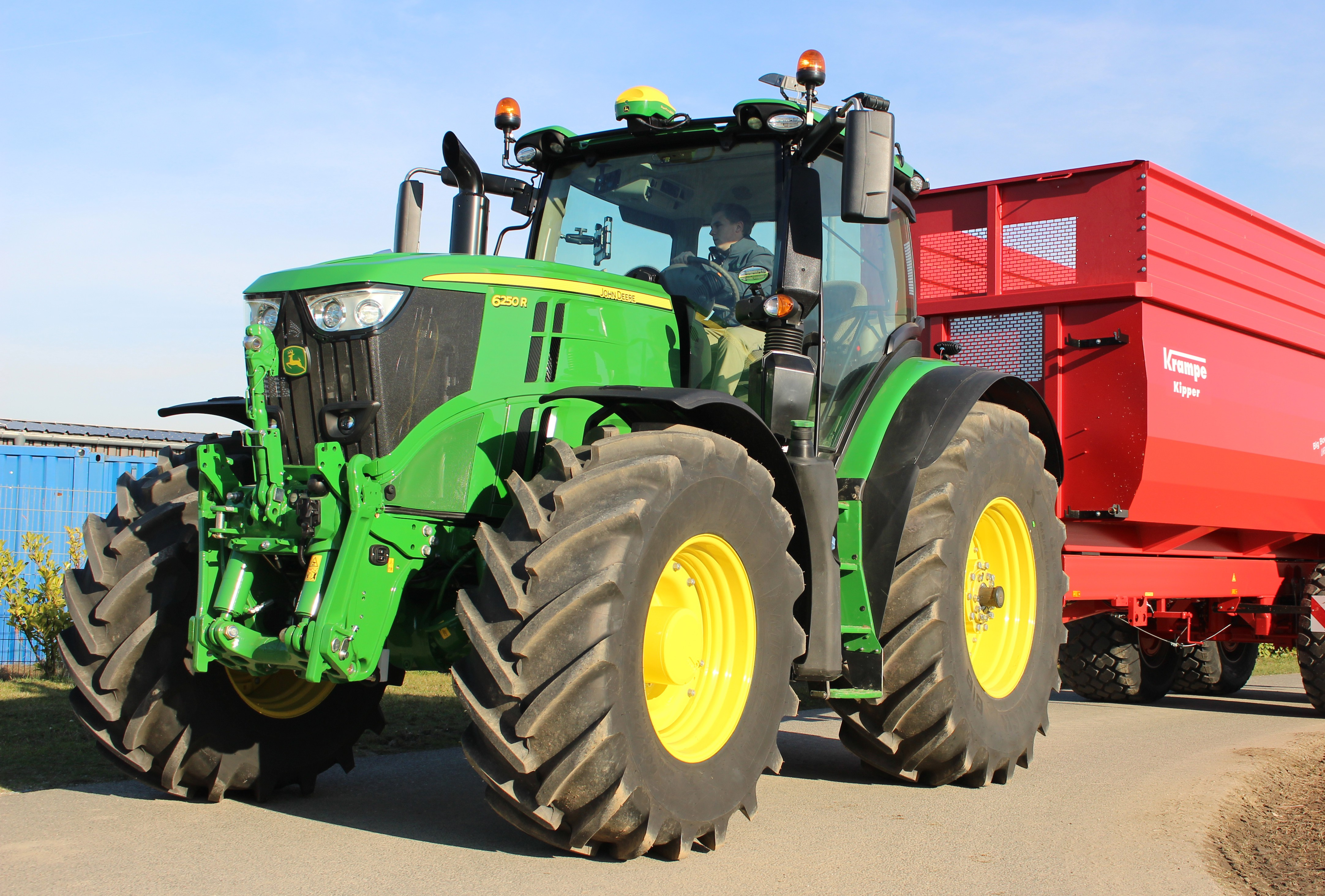 2018_Finalists – Tractor of the year – John Deere 6250 R ...