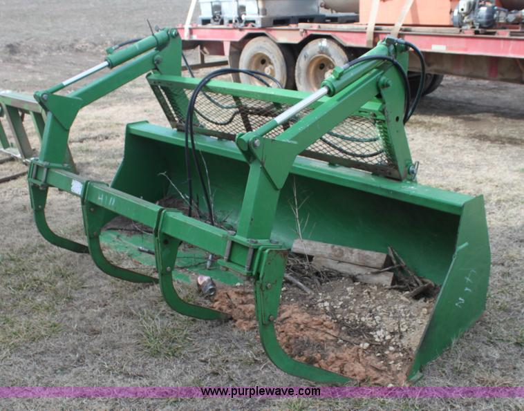 John Deere 8' loader grapple bucket | no-reserve auction ...