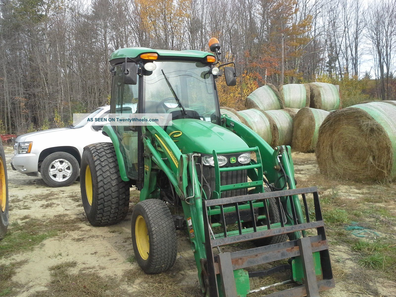 John Deere 4720 With Snowplow/forks/bucket