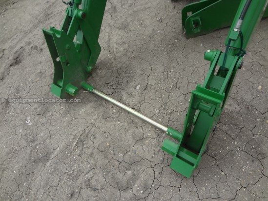 2005 John Deere 740 - 7810 Quick Attach Mounts, NO Bucket ...
