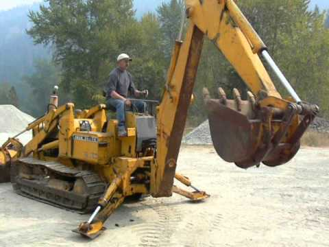 Deere 350 Loader at H7 Auction - YouTube
