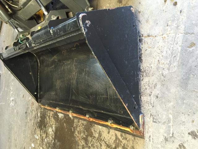 John Deere C72 skidsteer bucket next to new - Nex-Tech ...
