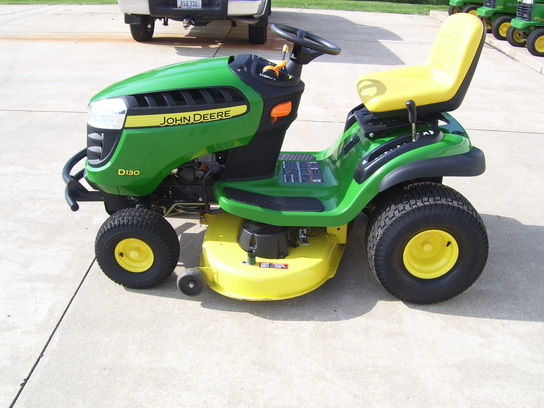 2013 John Deere D130 Lawn & Garden and Commercial Mowing ...
