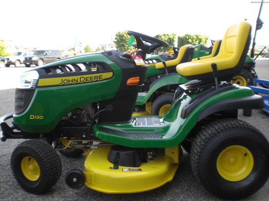 2014 John Deere D130 Lawn & Garden and Commercial Mowing ...