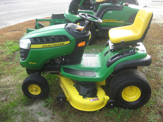 2013 John Deere D140 Lawn & Garden and Commercial Mowing ...