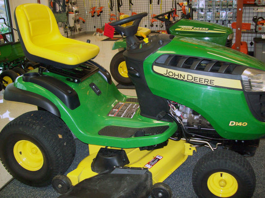 2011 John Deere D140 Lawn & Garden and Commercial Mowing ...