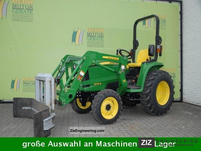 John Deere 3036E with front loader, bucket and squeegee ...