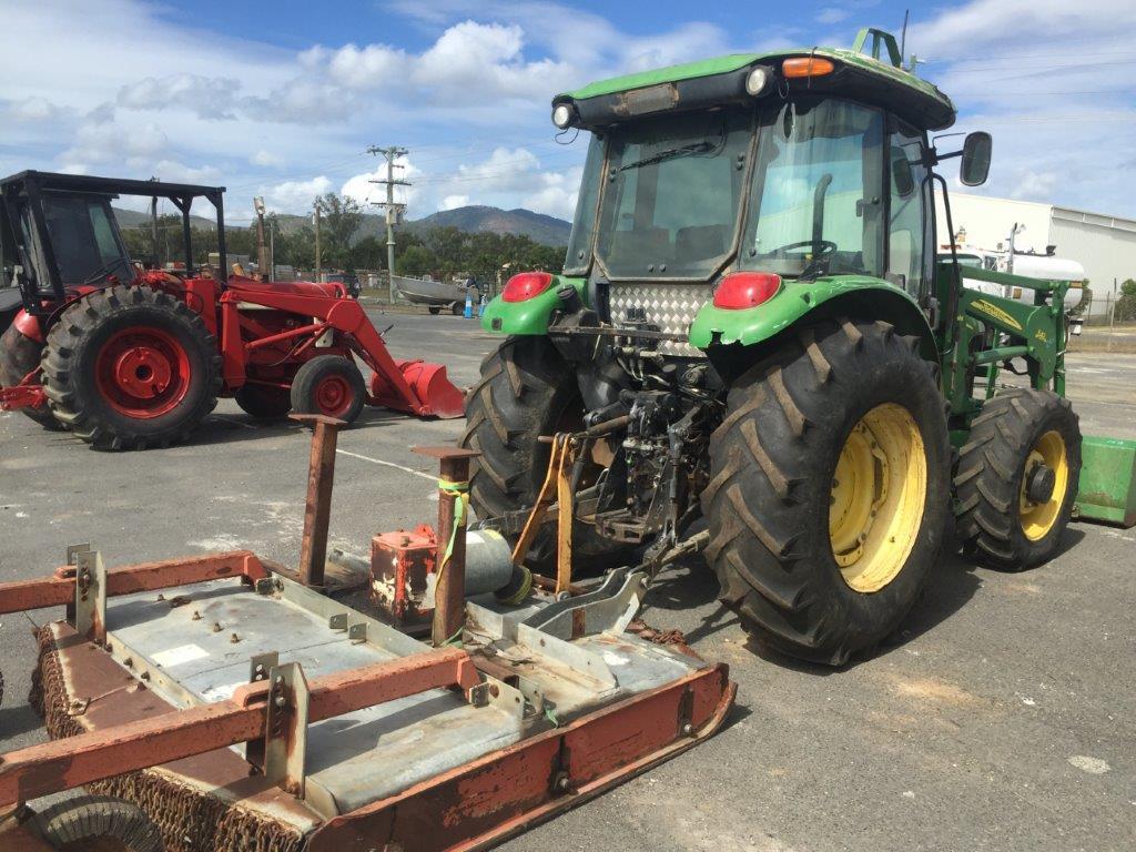 Item Details for John Deere 5425 Tractor with Front Bucket ...