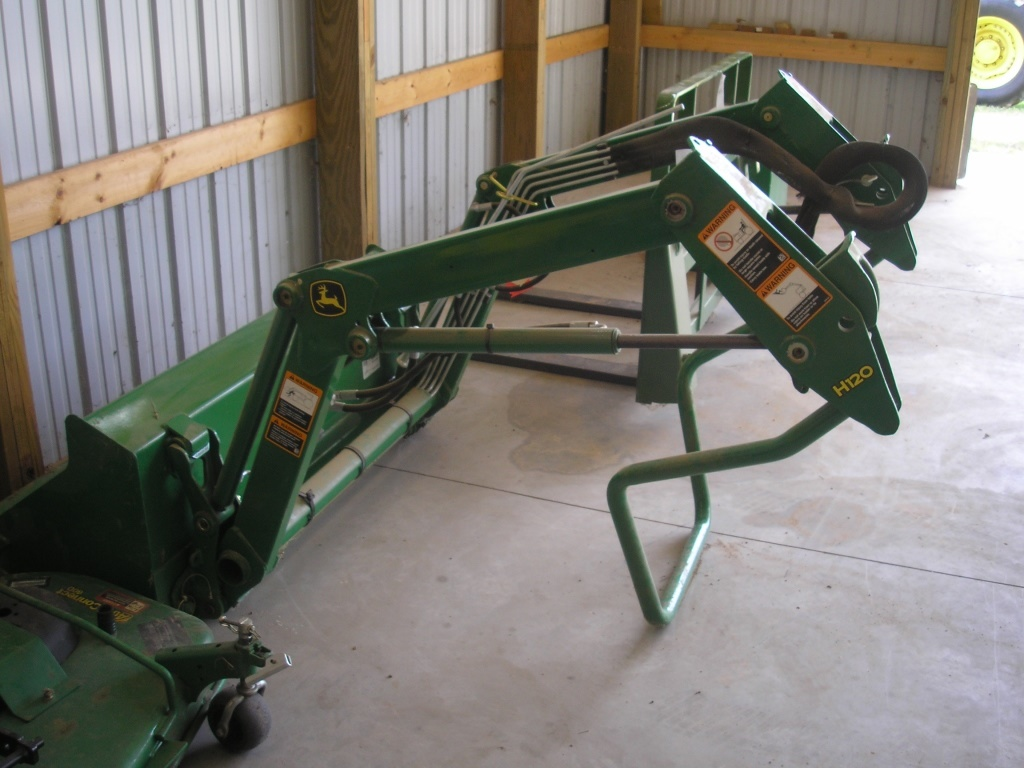 John Deere H120 Loader & Bucket