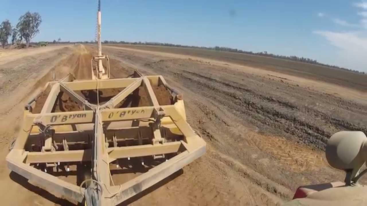 John Deere and Laser Bucket - YouTube