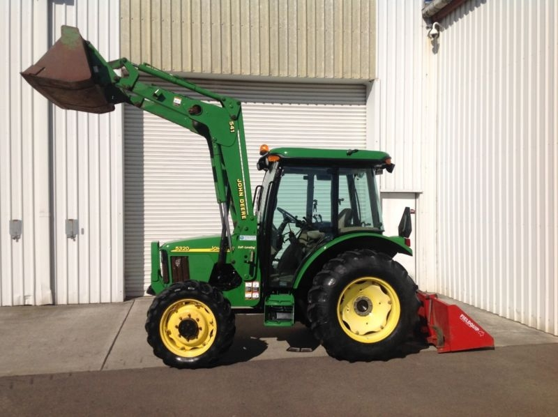 John Deere 5320 Tractor front end loader bucket and ...