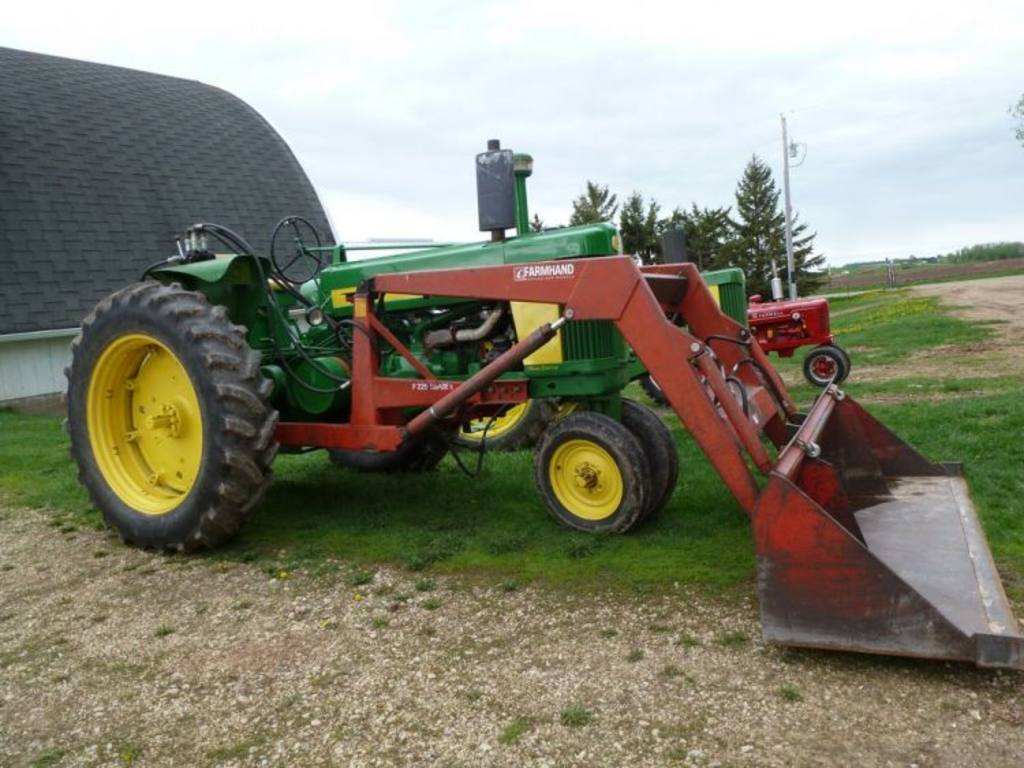 John Deere 620 tractor with Farmhand F225 loader, 8ft ...